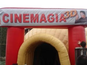 Cineminha 3D no pátio da Escola